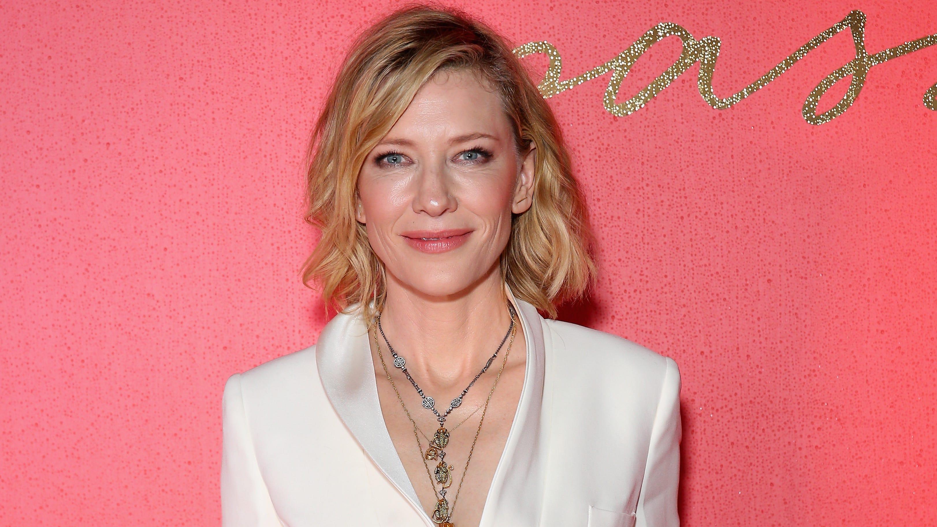 Cate Blanchett Tries Penis Facial With Sandra Bullock