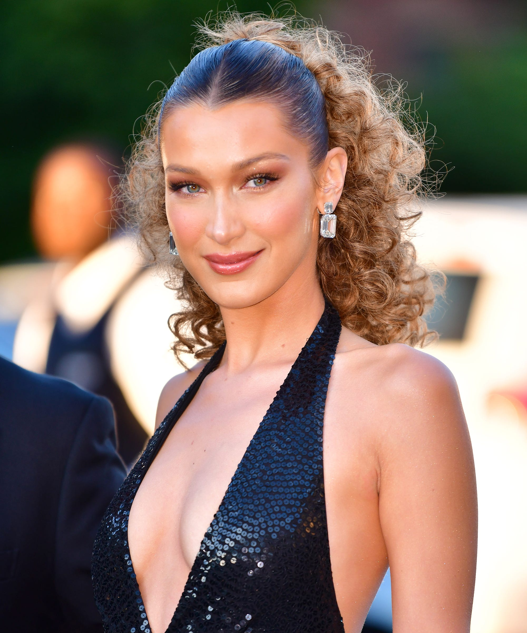 """Bella Hadid Went """"Boho Blonde"""" For Summer — & Looks Just Like Her Sister"""