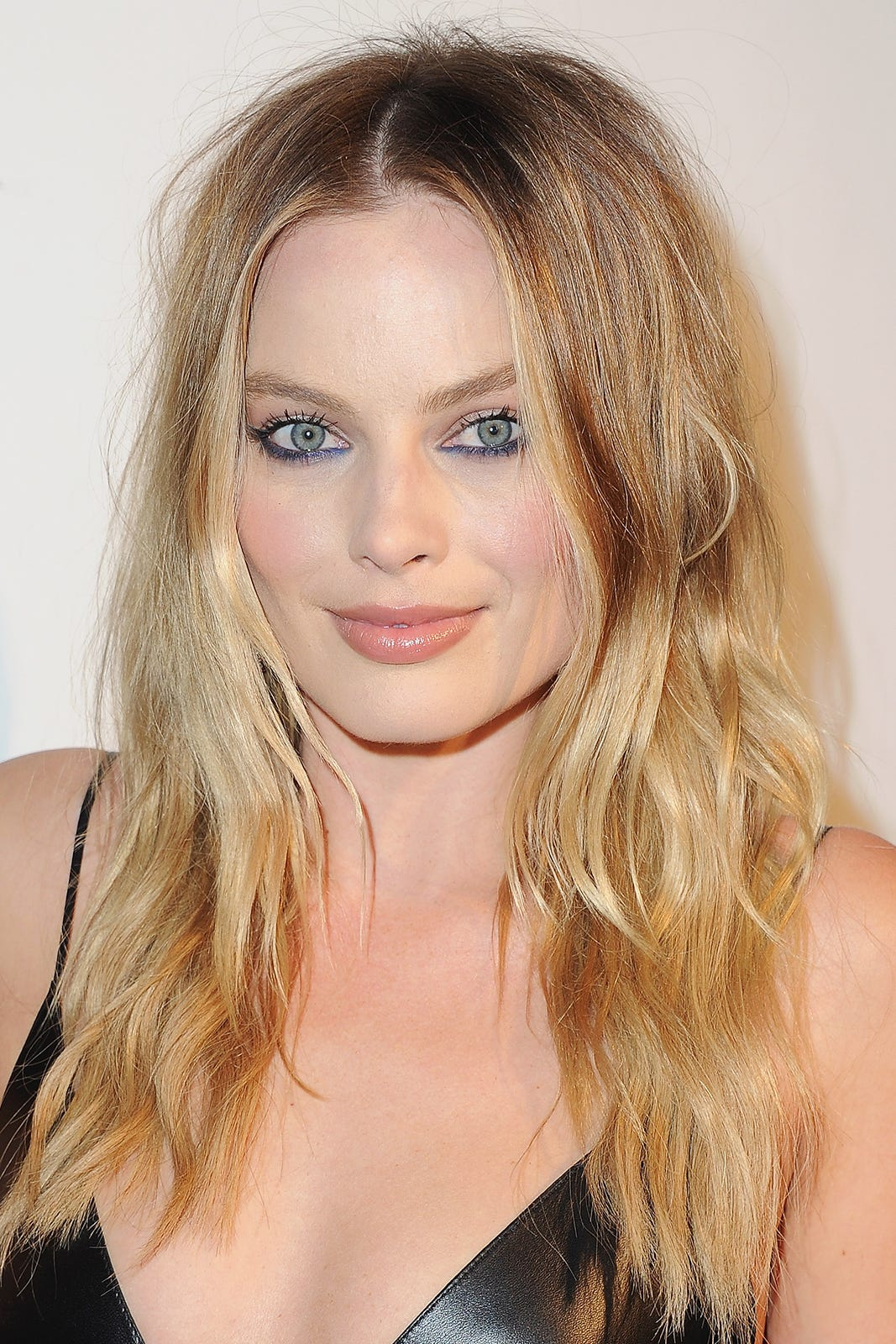 Celebrity Trend Upside Down Eye Makeup Eyeliner
