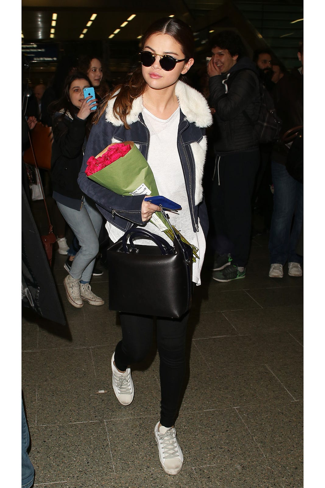 d563907961f9cc United Outrage - Celebrity Leggings Airport Outfits