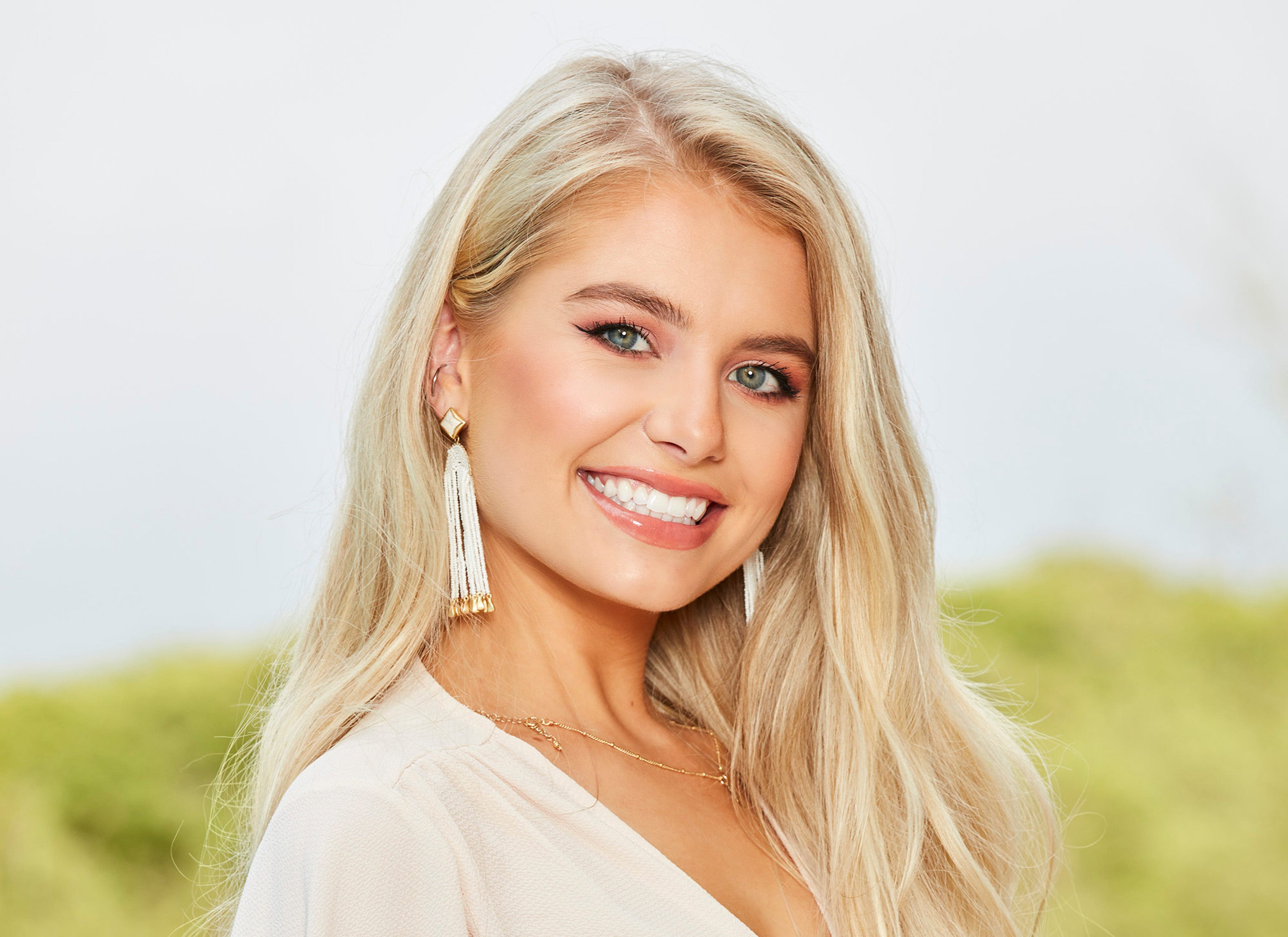 The Bachelor In Paradise 2019 Trailer Is Here: It's Got Demi's Love Triangle, New Cast & So Much More