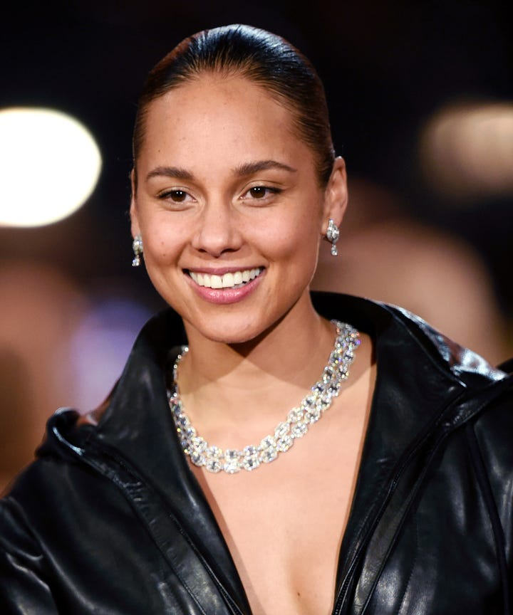 alicia-keys-wore-a-15-drugstore-foundation-to-the-grammys