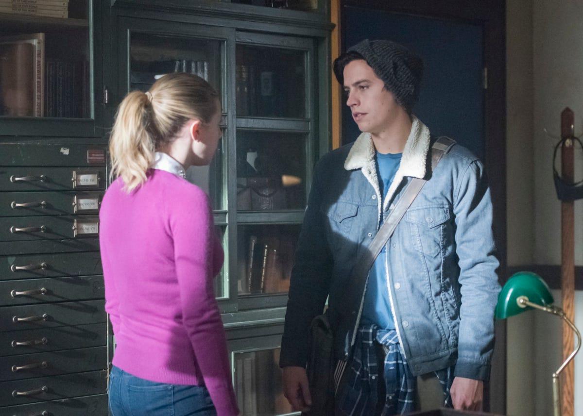 Riverdale Season 2 Episode 14 Recap The Hills Have Eyes