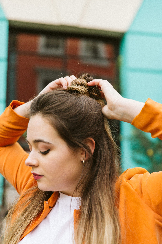 Nie wieder abstehende Haare: 5 einfache Schritte gegen Frizz