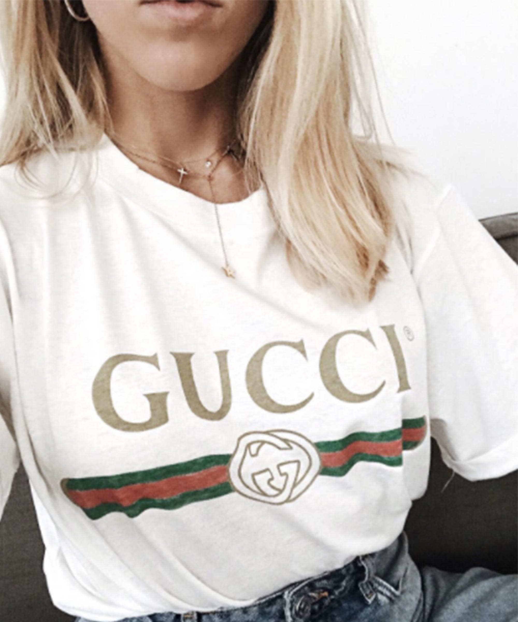 e85e9ace Gucci Logo T-Shirt Instagram Outfit Ideas