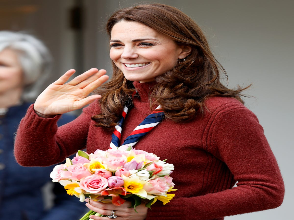 Blowouts, Blush, & Royal Buns: Kate Middleton s Best Beauty Looks