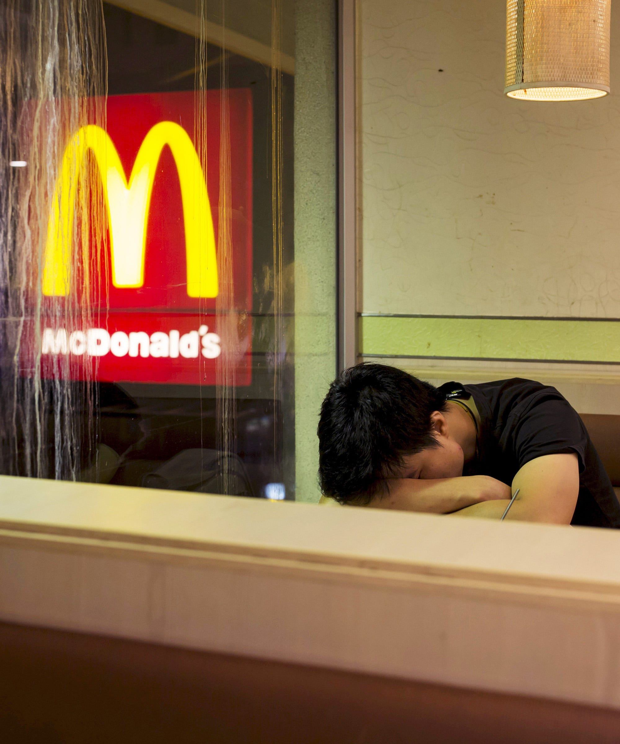 McDonalds in Hong Kong turned into shelters