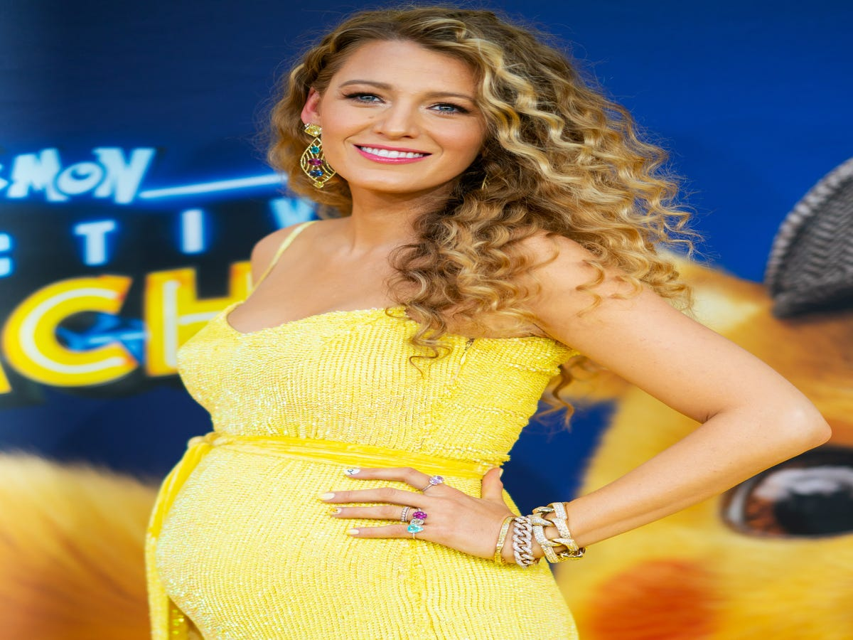 Blake Lively s Pokémon Manicure Is Outshining Her Pregnancy Reveal