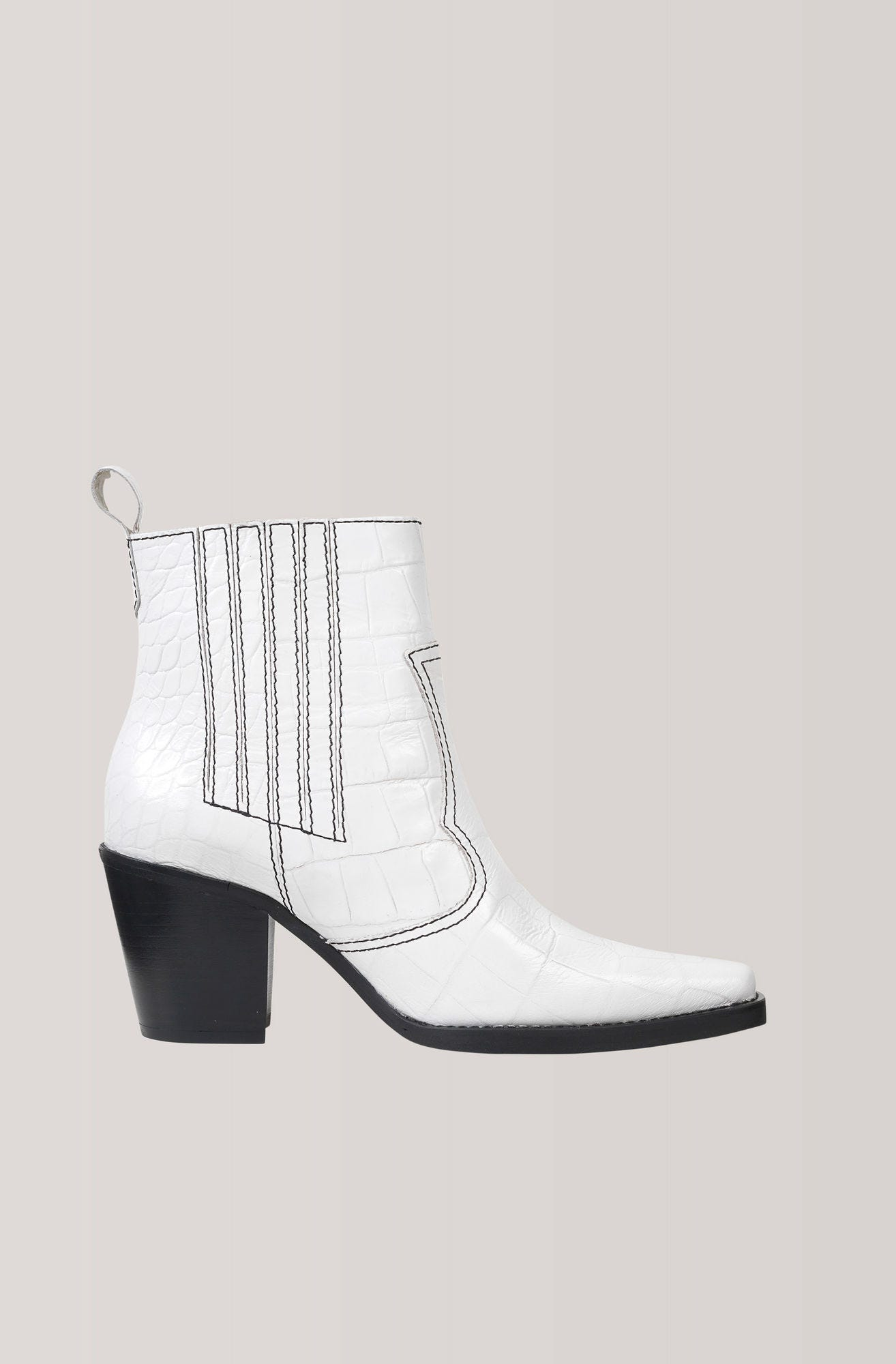 9919af42d63 White Boot Trend Fall 2018 For Women