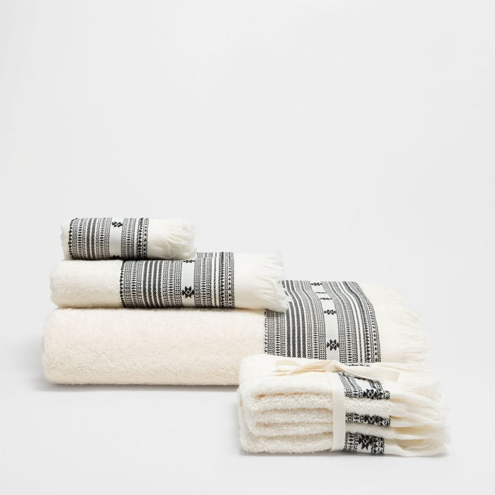 A Soft And Pretty Towel Is Just The Thing You Need After Relaxing Bath Or Shower Zara Home Cotton Fringed 1290 Available At