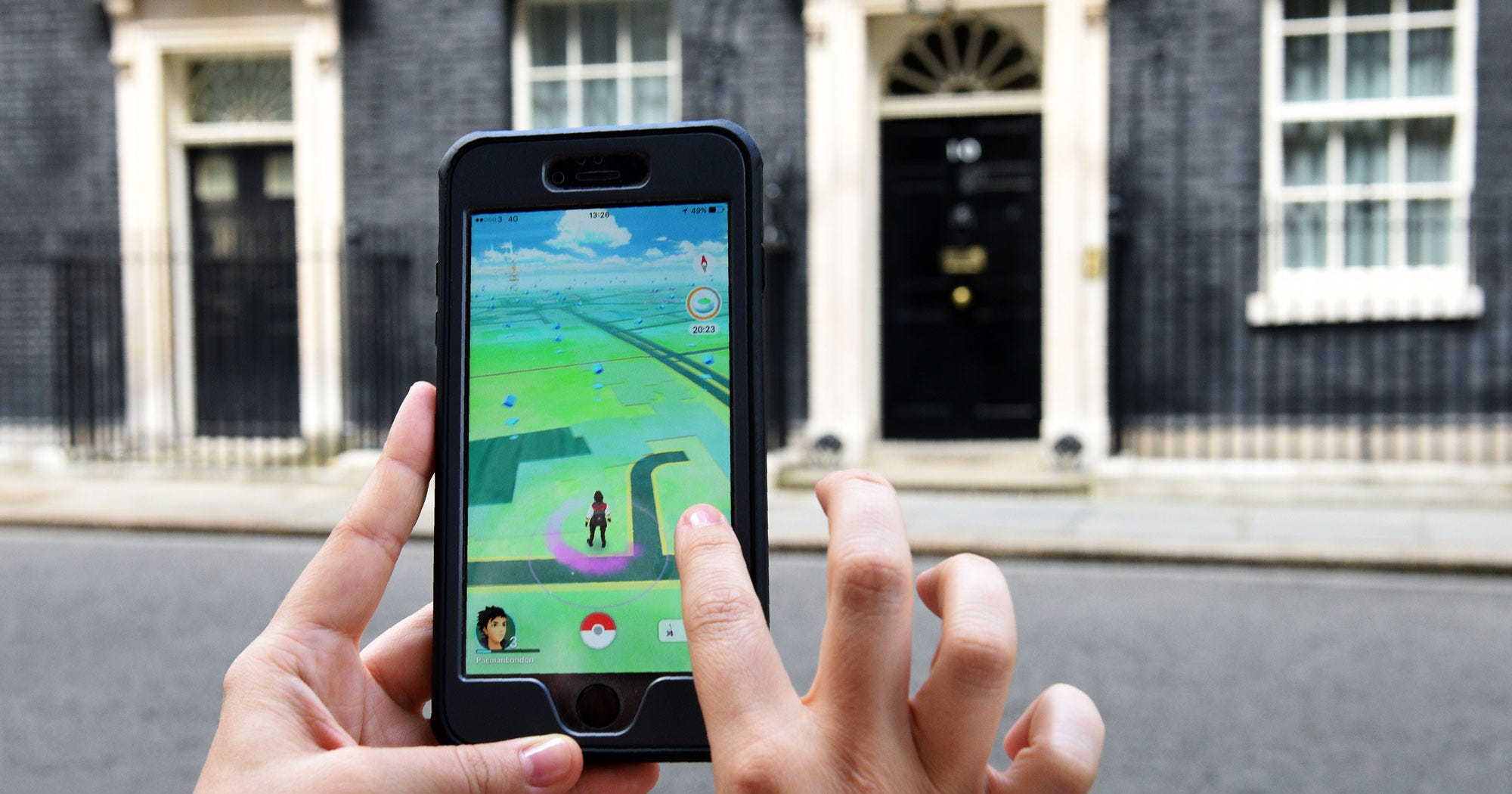16 Stories That Capture The Epic Insanity Of Pokémon Go's First Week In The World
