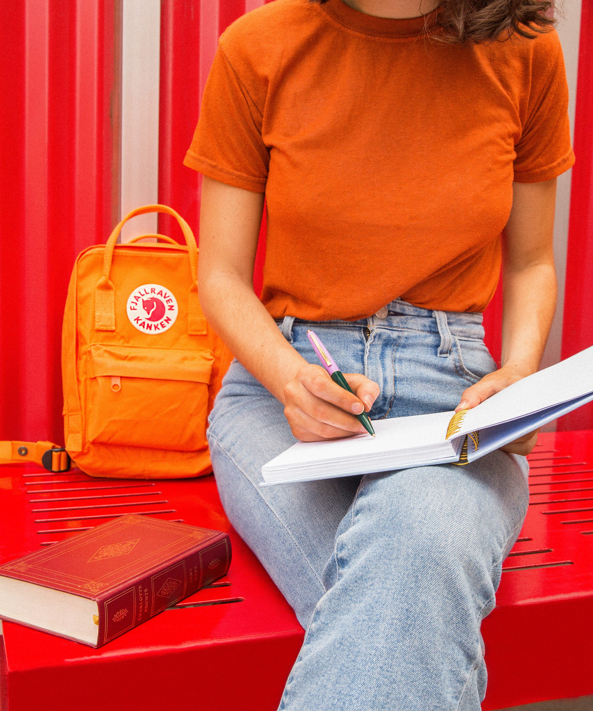 Apps & Gadgets To Help You Survive Freshman Year, According To Actual College Students