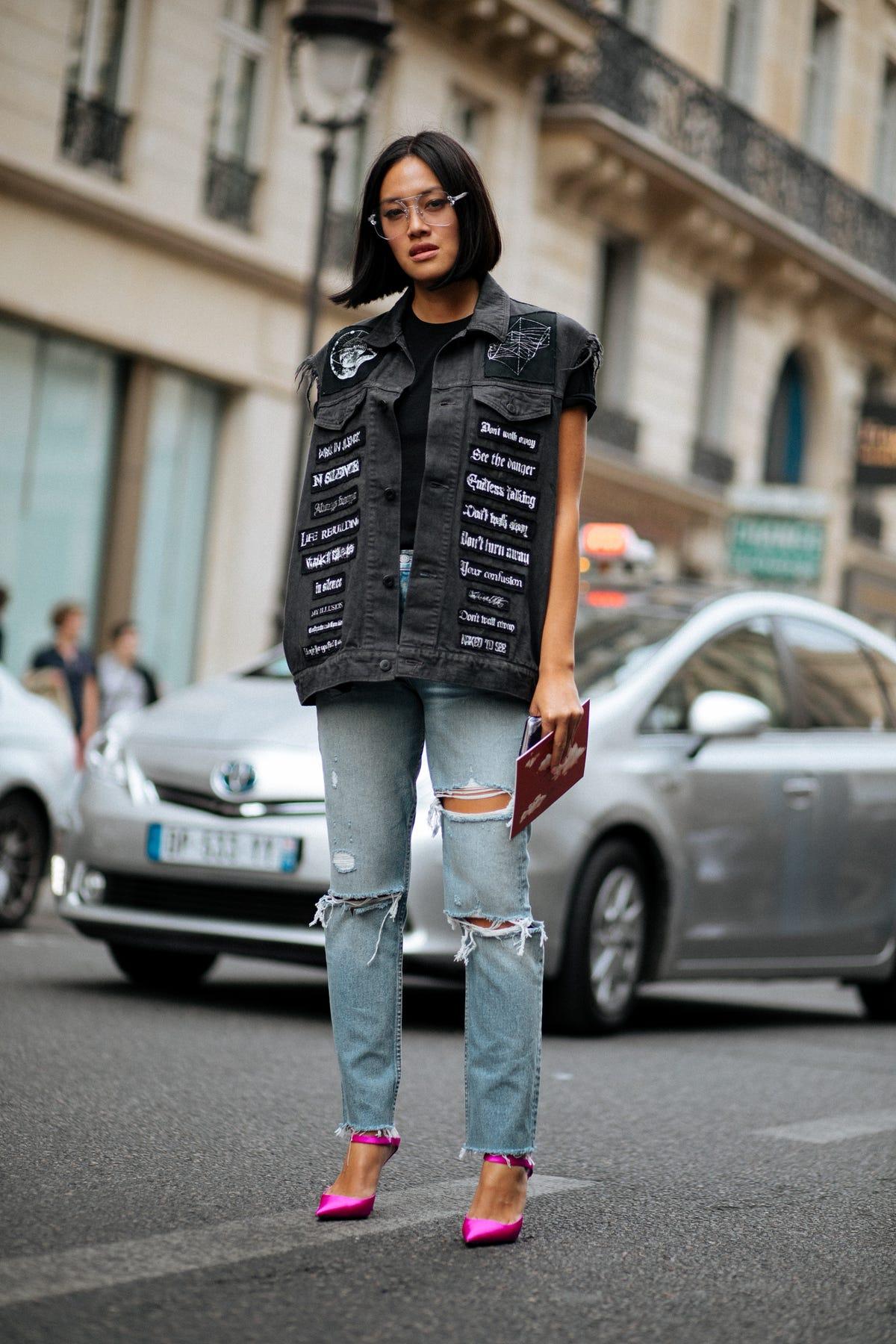 750ebea091fa Paris Fashion Week Street Style Spring 2018 Photos