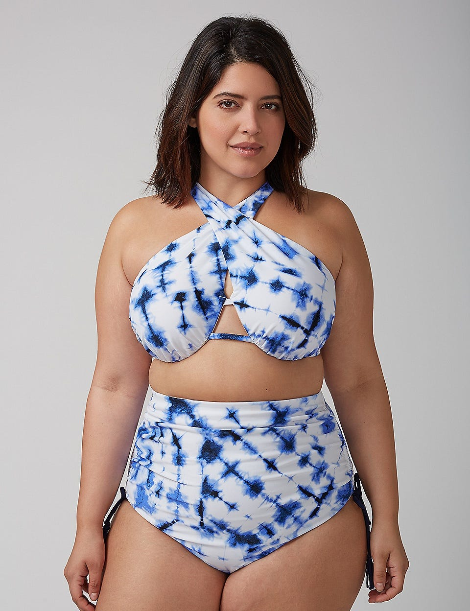 What kind of bikini should a D-cup girl wear?