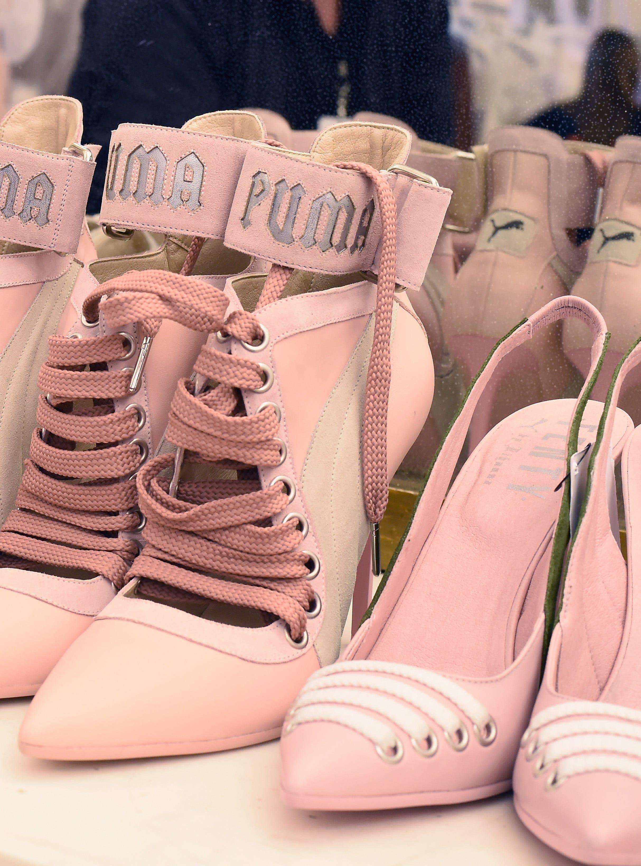 low cost 07933 92b46 rihanna shoes puma pink