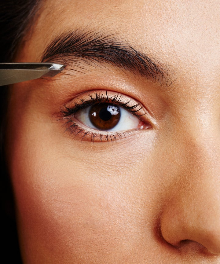 Eyebrow Microblading Horror Story Viral Tweet