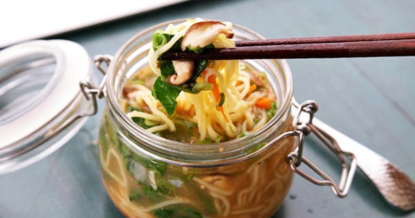 Make Your Coworkers Jealous With These Amazing DIY Instant Noodles