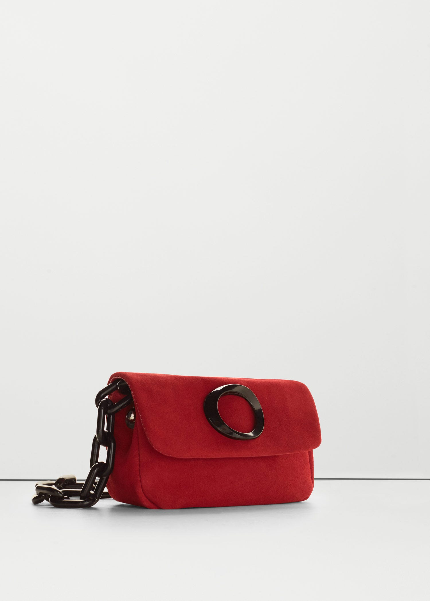 Best Crossbody Bags For Breast Shapes 2bced50b43f6b
