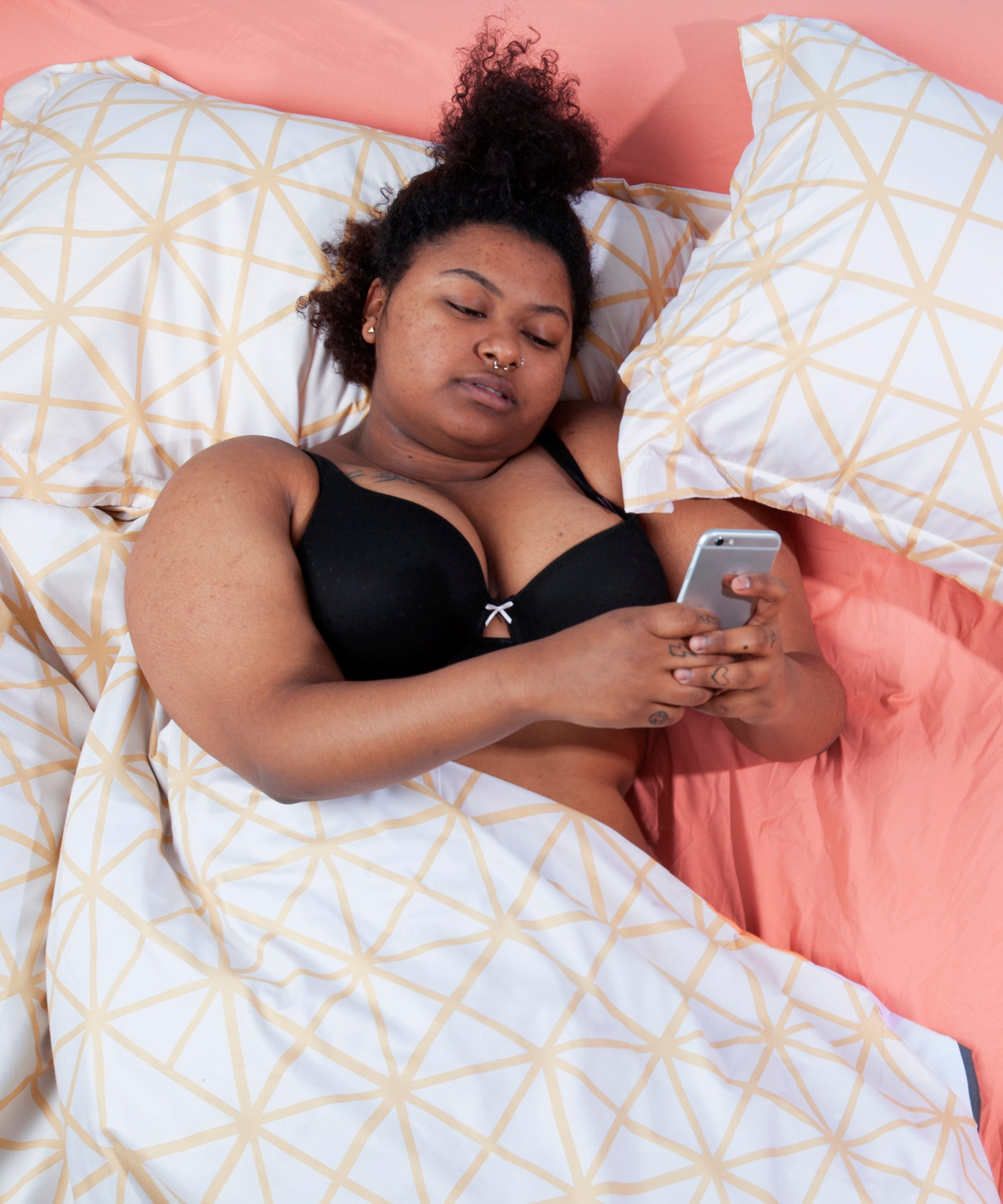 Sleep Apps Can Actually Cause Insomnia & Anxiety, Says Expert