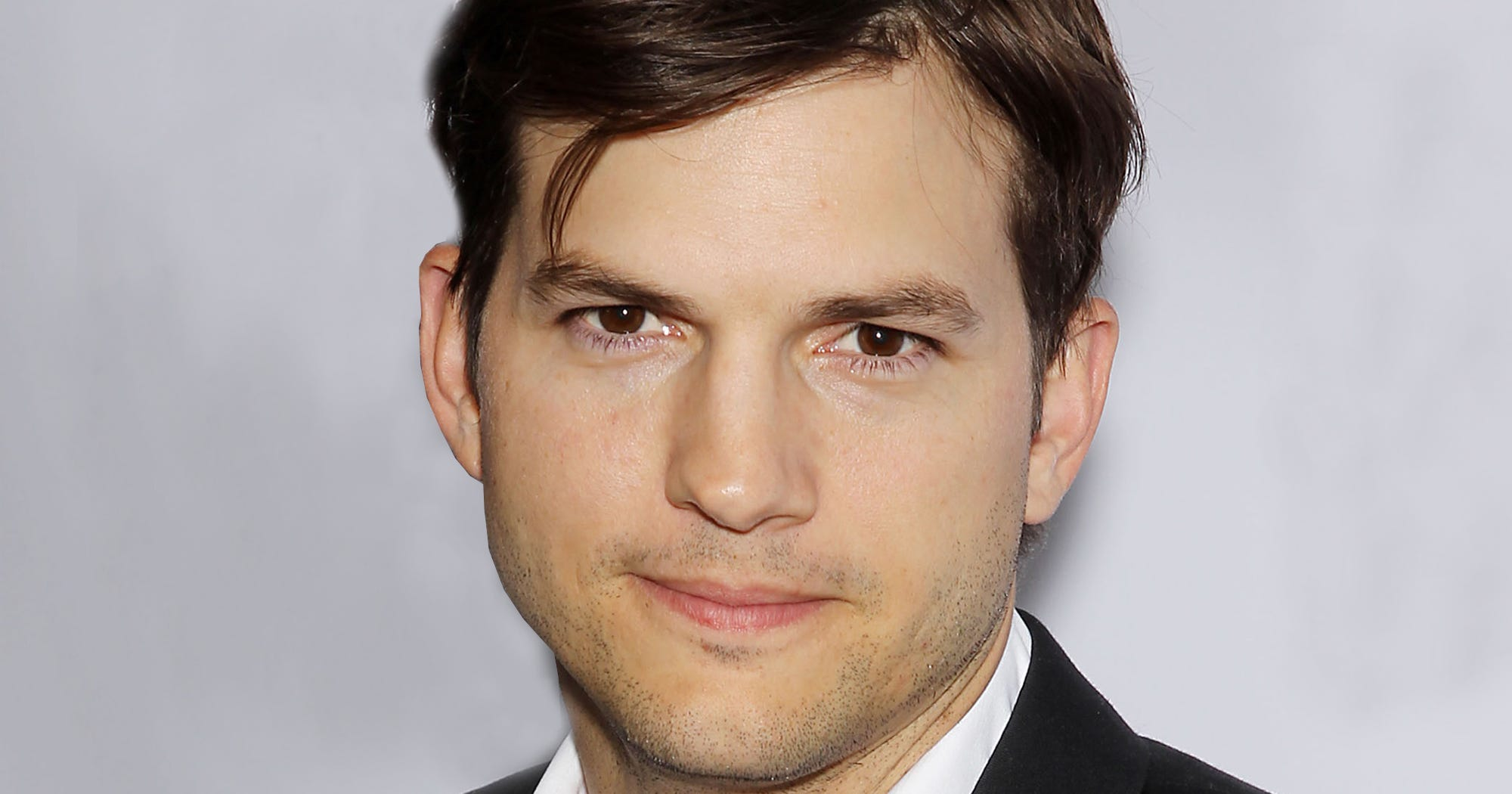 Ashton Kutcher Is Glad Natalie Portman Is Talking About Their No Strings Attached Wage Gap
