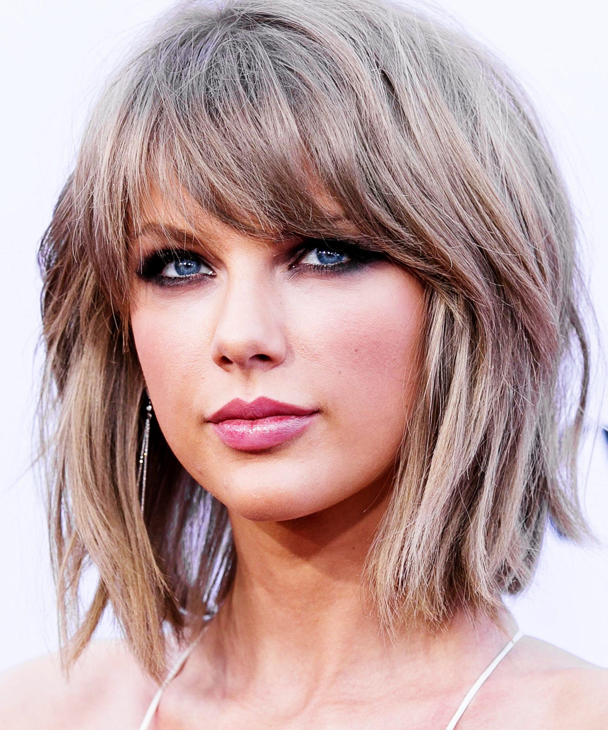 Taylor Swift Hair Cut Grammys 2016