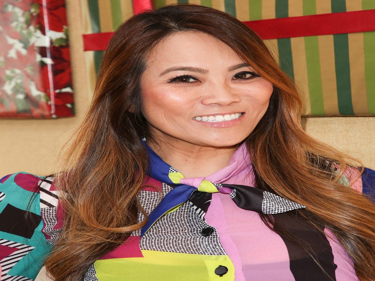 Pass The Eggnog! Dr. Pimple Popper Is Getting A TLC Holiday Special