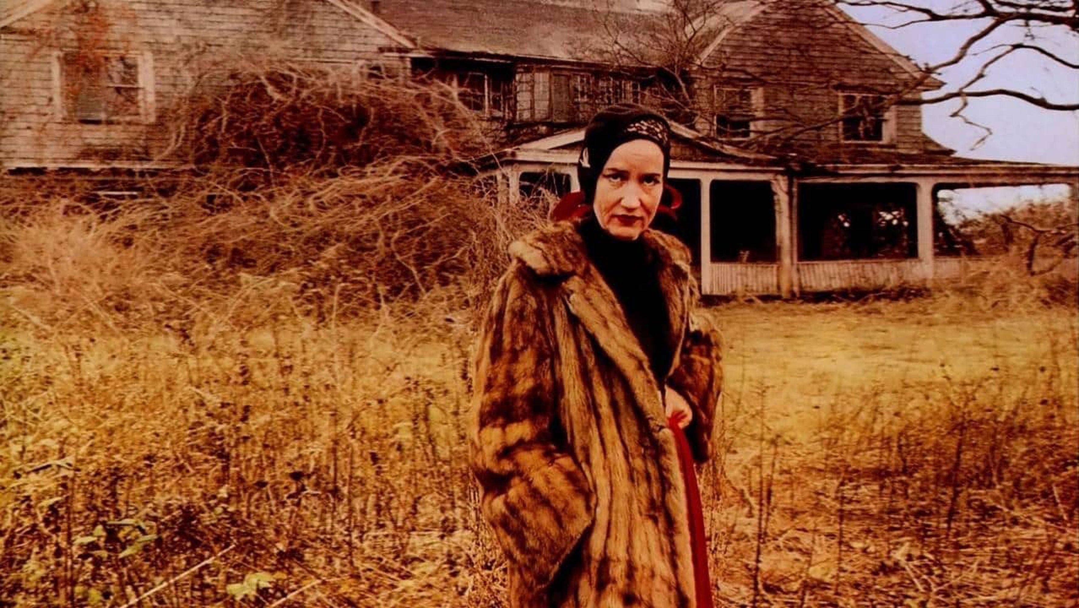 Why Fashion Loves Little Edie Of Cult Film Grey Gardens