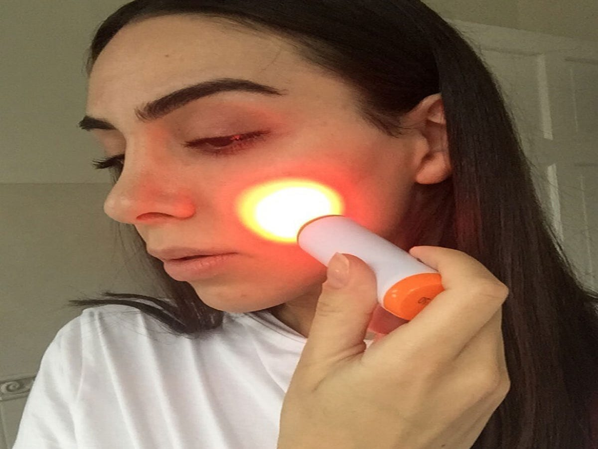 I Tried A New LED Zit-Zapping Tool On My Acne — Here s How It Went