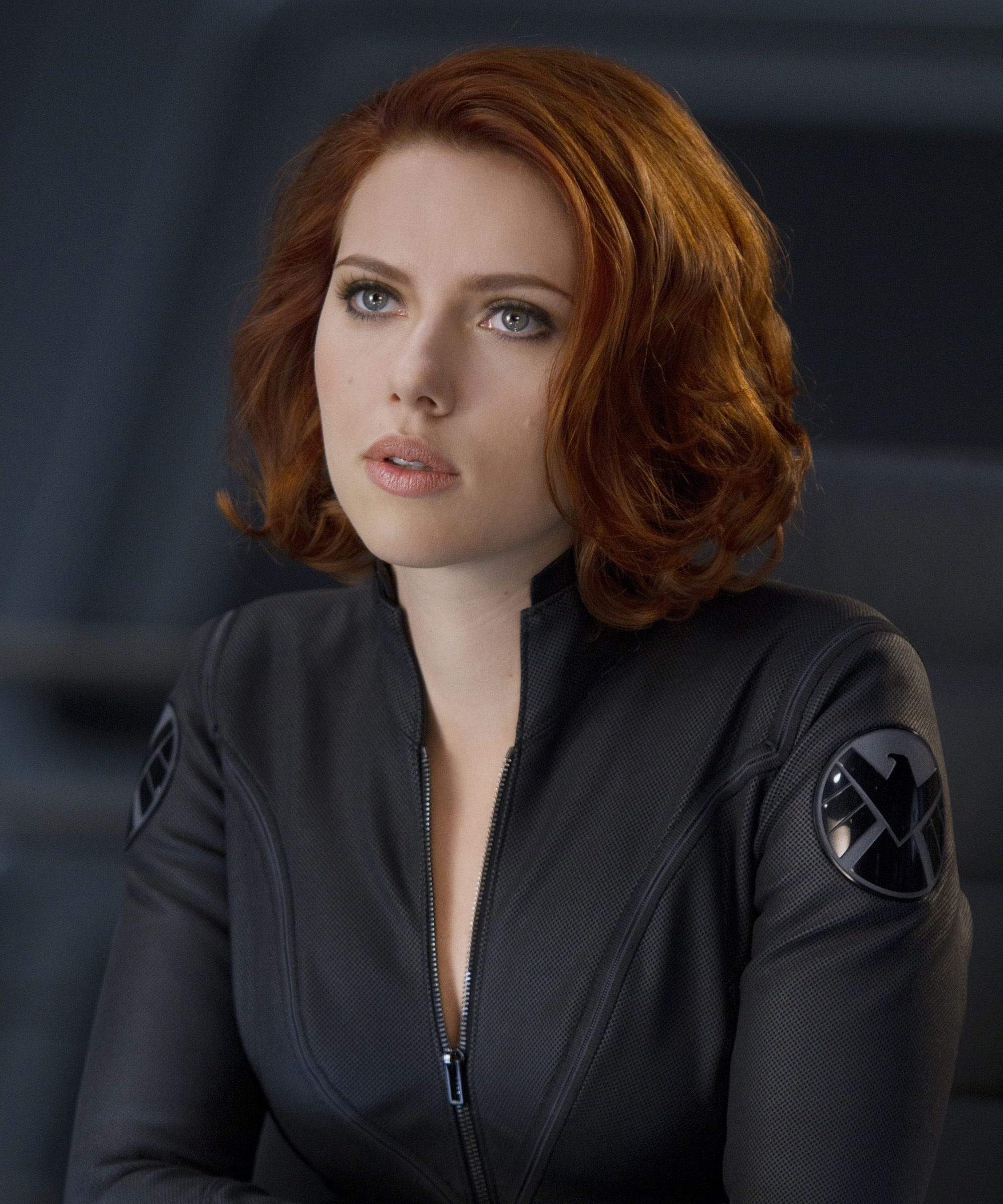 black widow red hair color teases avengers endgame plot