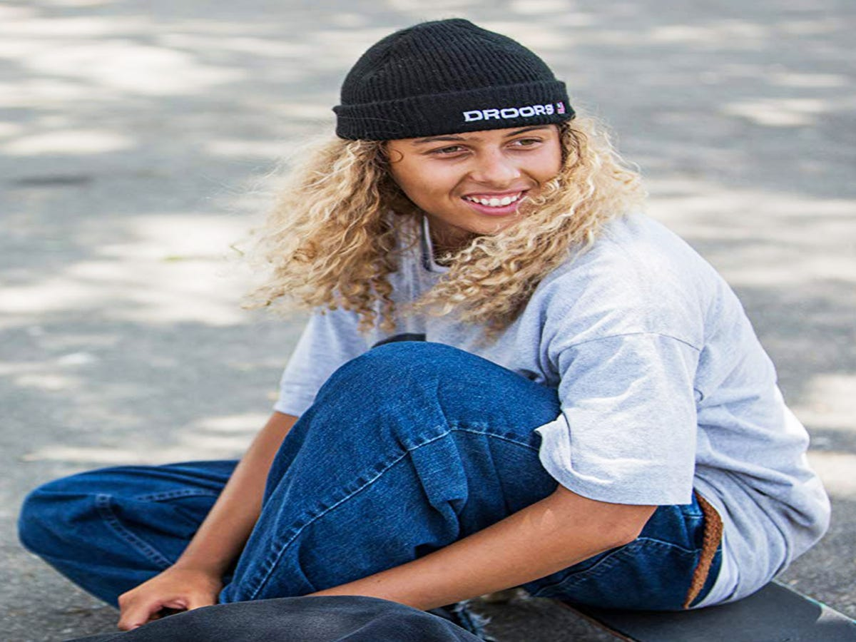 Curls, Shags, & Beanies — How Mid90s Got Skater Hair Just Right