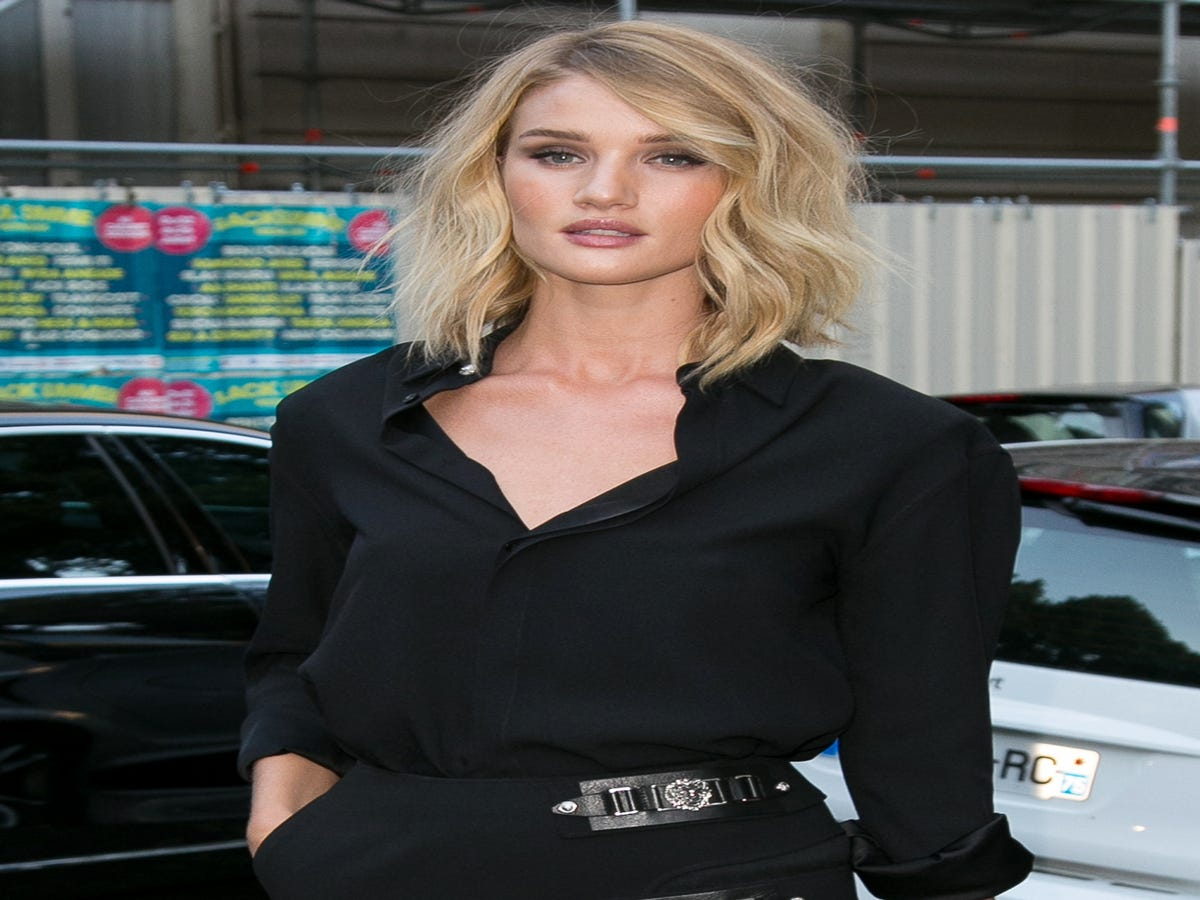 7 Products Rosie Huntington-Whiteley Uses To Deal With Hormonal Acne