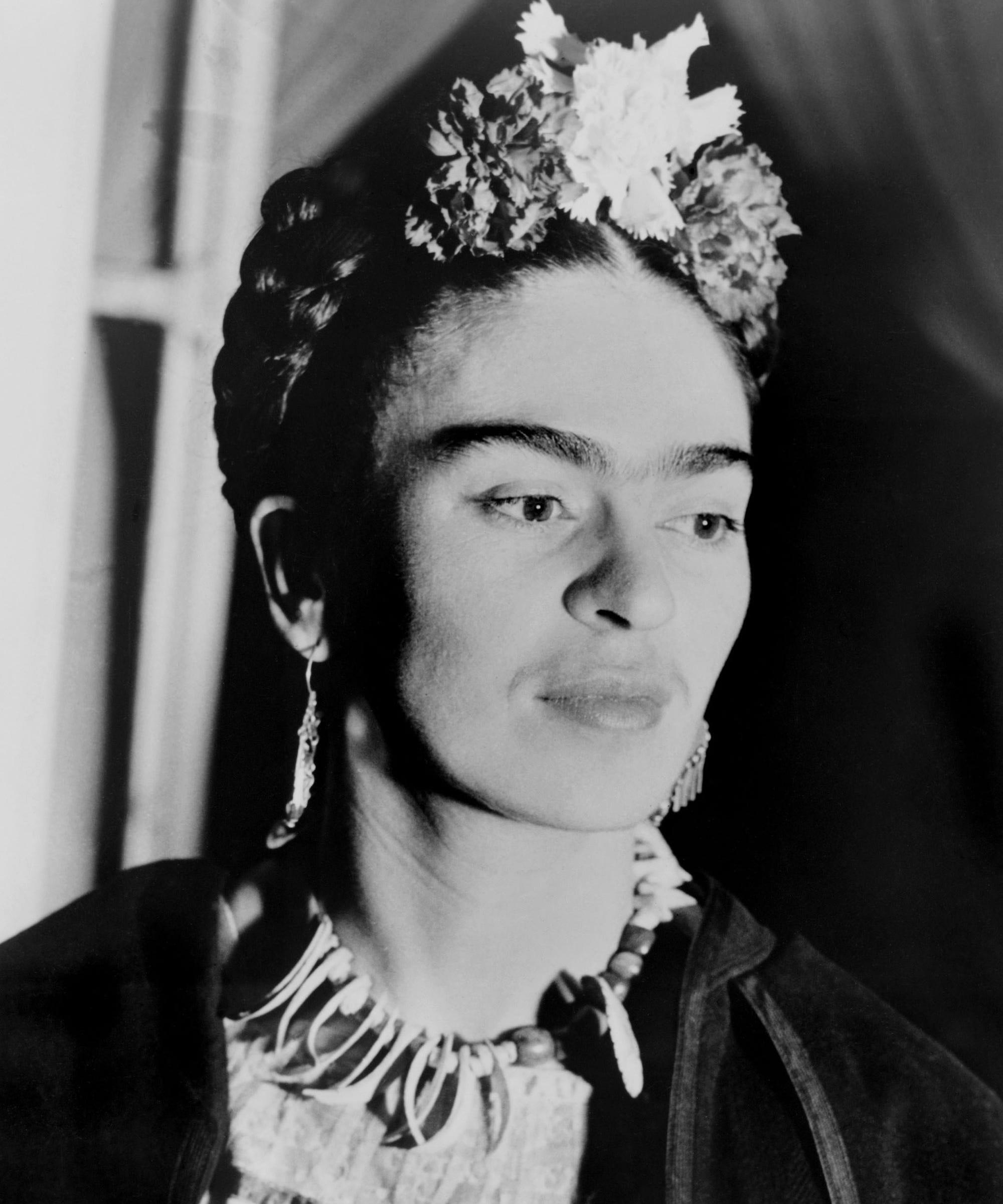 Frida Kahlo Flower Crown Trend Video