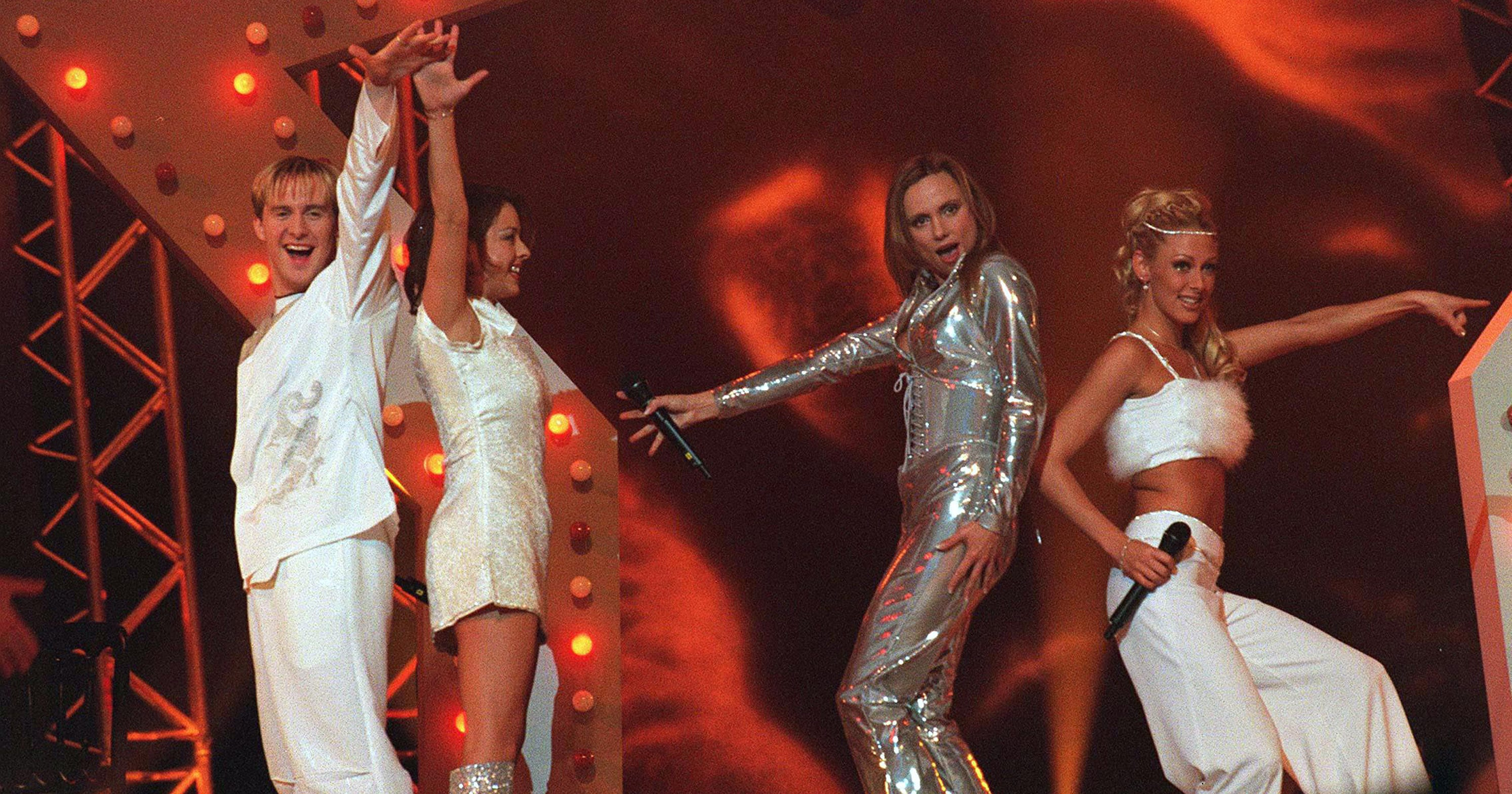 This Is What The Brit Awards Looked Like In 1999