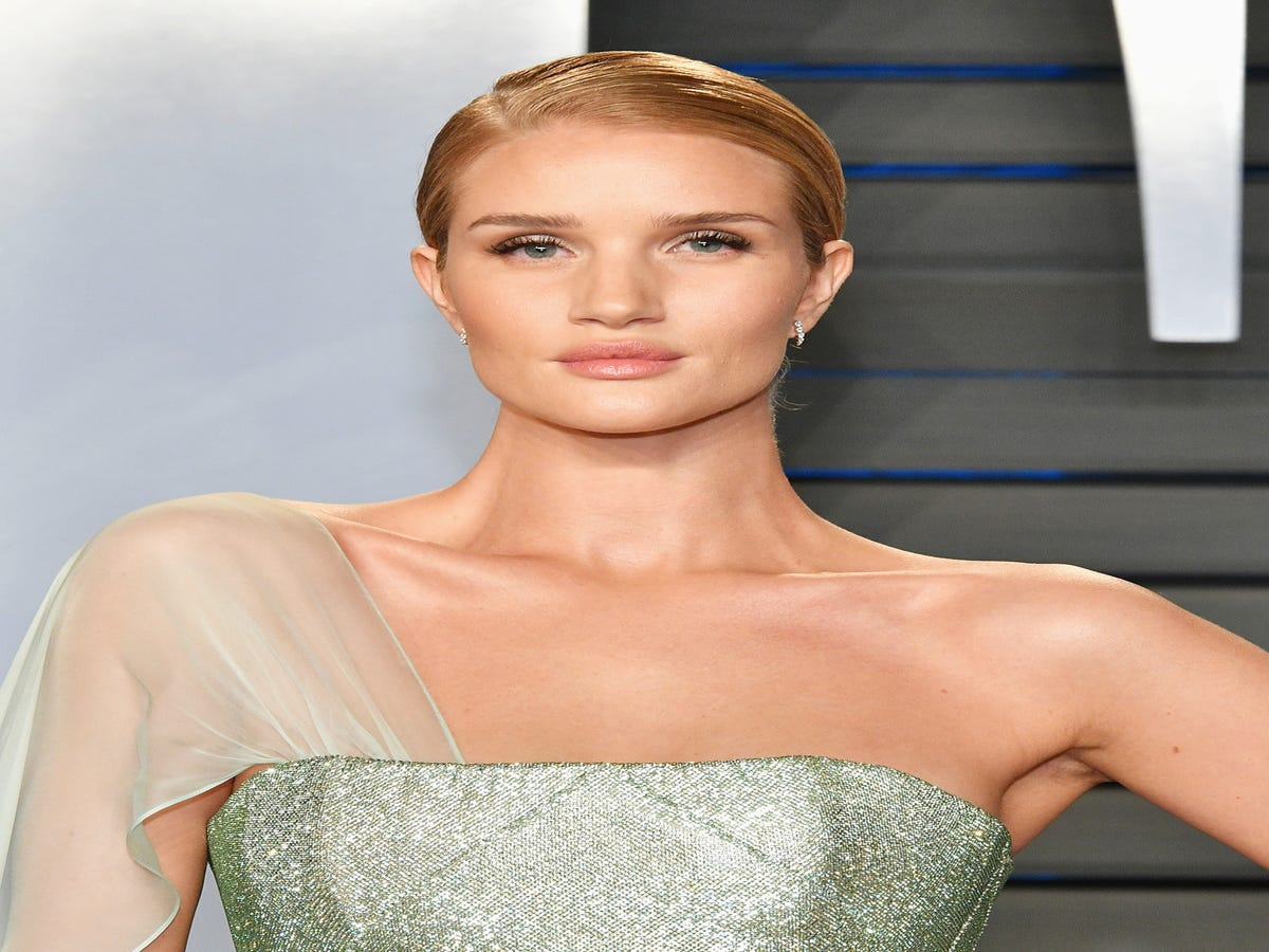 The One Thing Rosie Huntington-Whiteley s Facialist Uses On All Her Clients