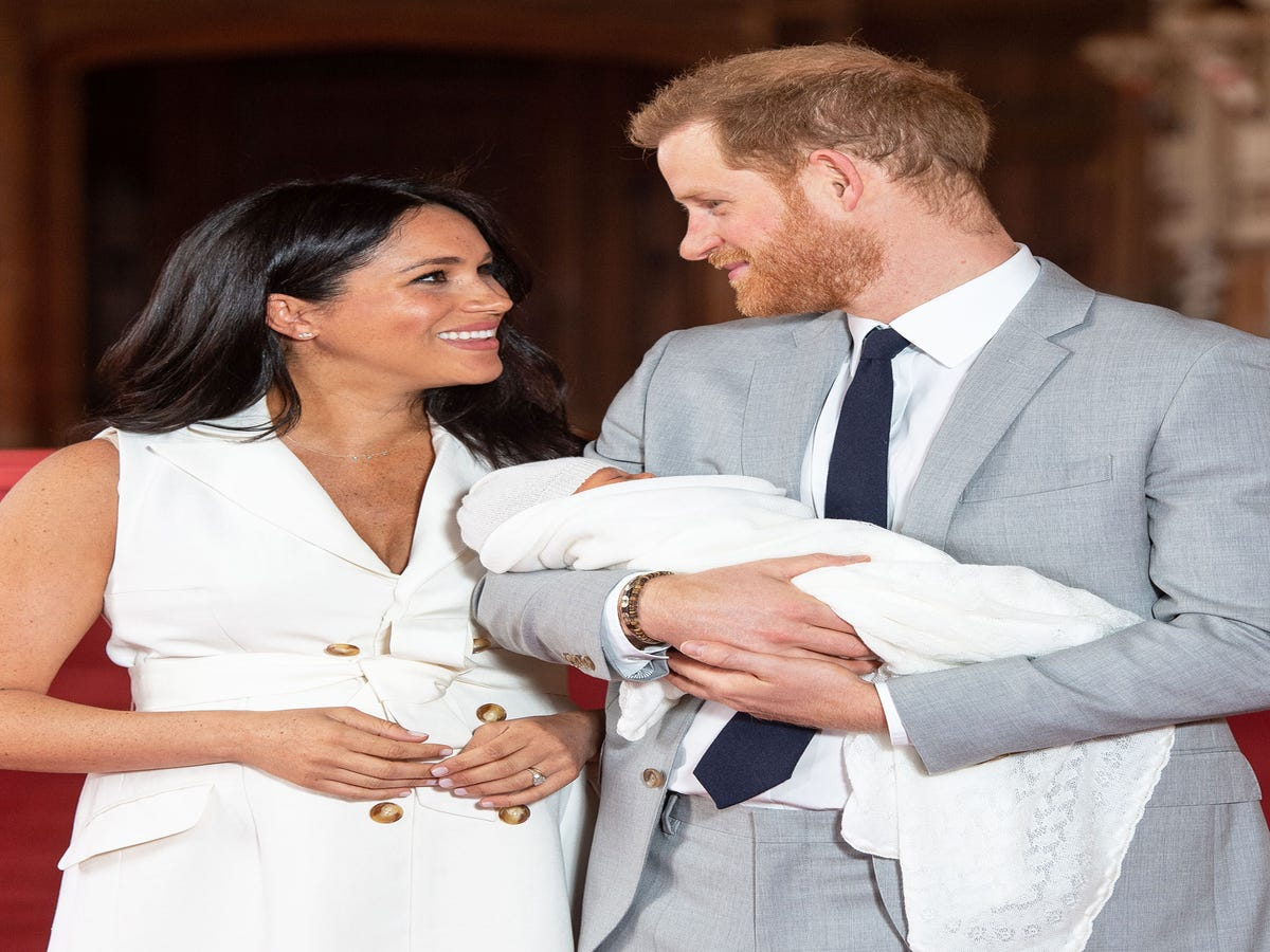 Everyone Is Talking About Meghan Markle s Manicure In The Baby Sussex Photos