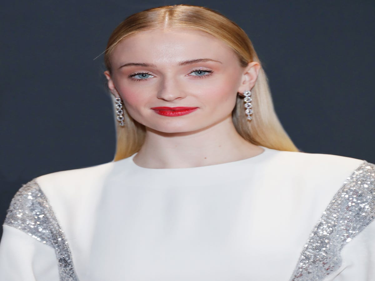 Sophie Turner Speaks Out About How Social Media Impacted Her Mental Health