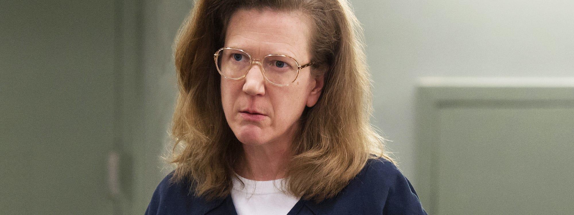 Oitnb Carol Barb Backstory Frieda Feud Explained