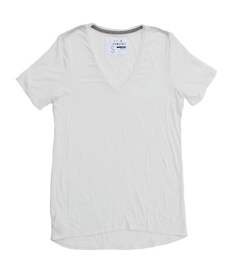 12c43bbc78619 We Explain Why This Plain White T-Shirt Could Cost  40