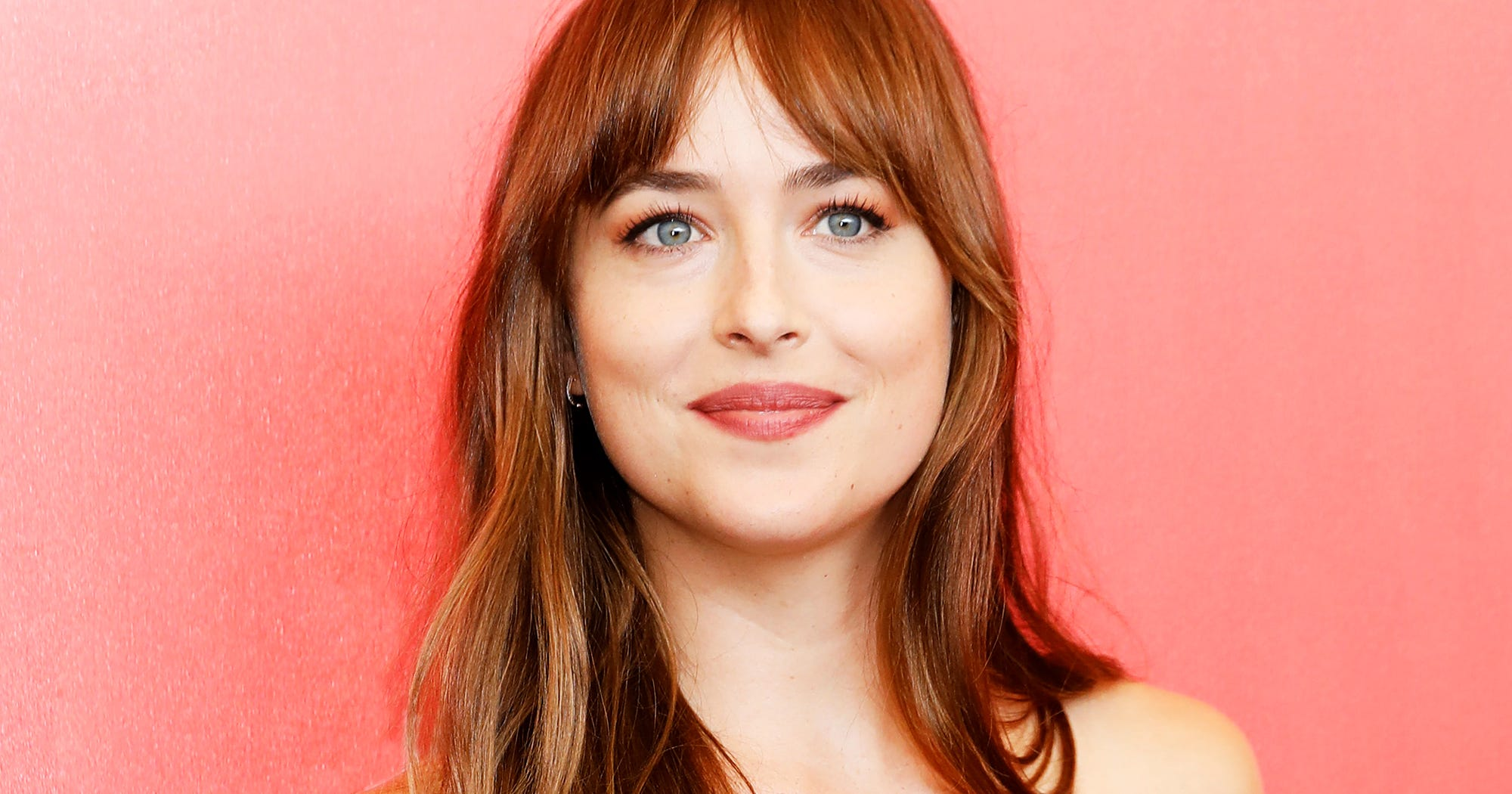 Dakota Johnson Is Taking Her Fake Pregnancy Very Well
