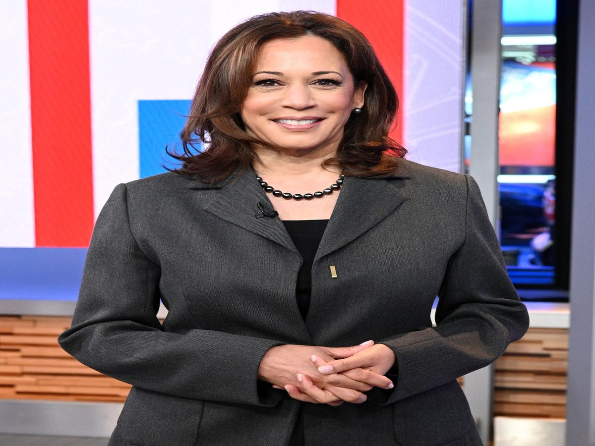 Kamala Harris Launches 2020 Presidential Campaign With  For The People  Slogan