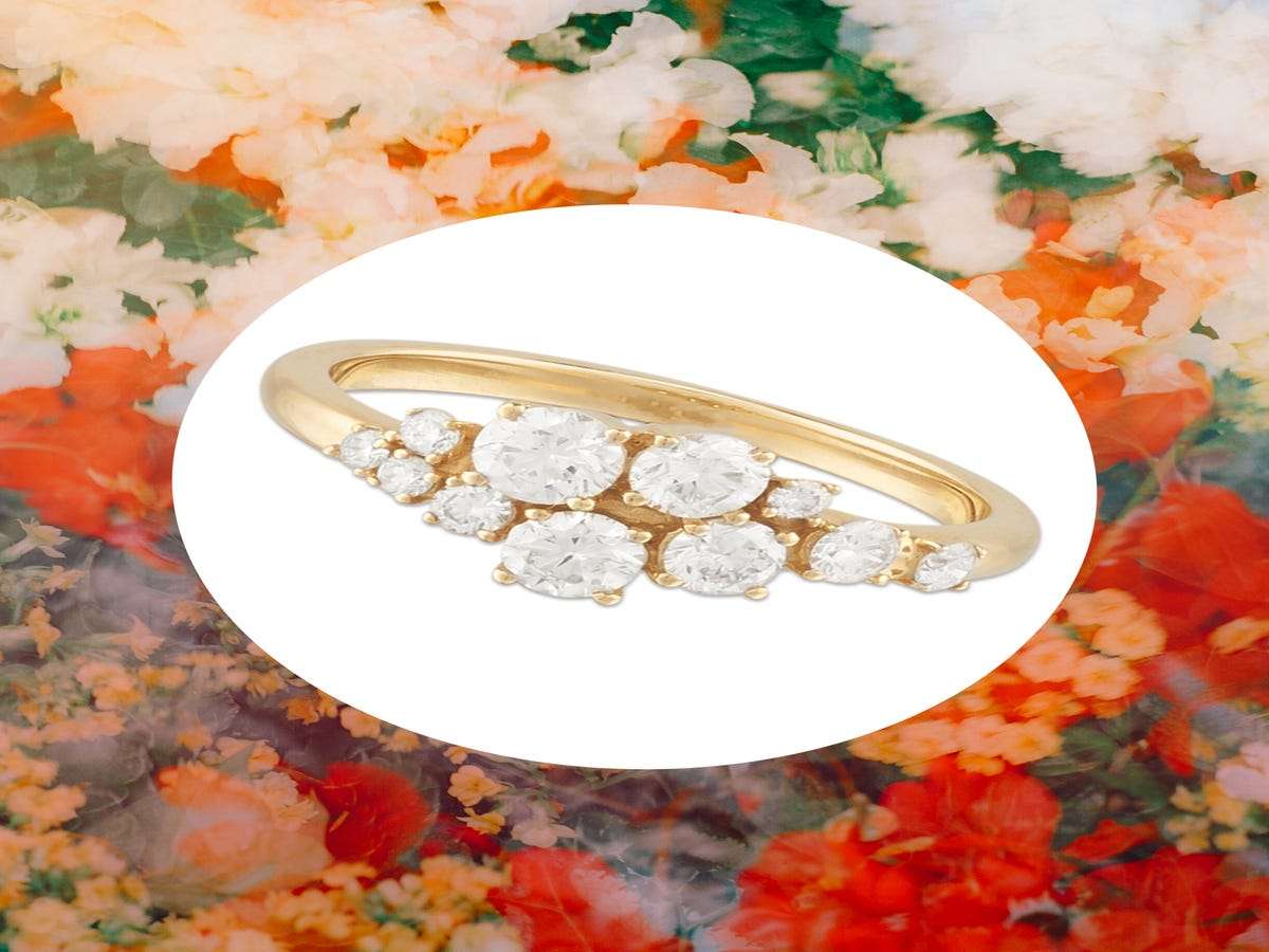 18 Classic Gold Engagement Rings For The Not-So-Flashy Bride
