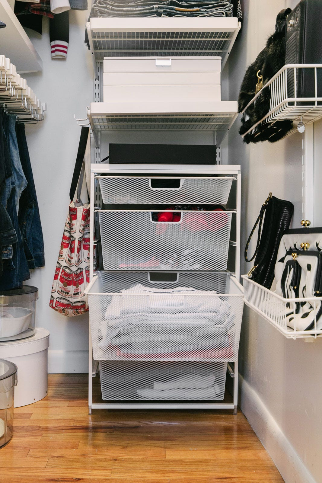 Small Walk In Closet Organization Tips