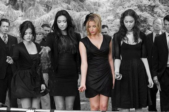 Pretty Little Liars Strange Funeral Outfits