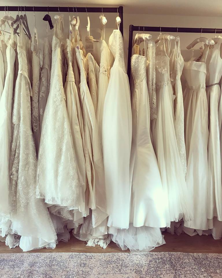 6f547bc75316 Where To Find The Best Secondhand Wedding Dresses