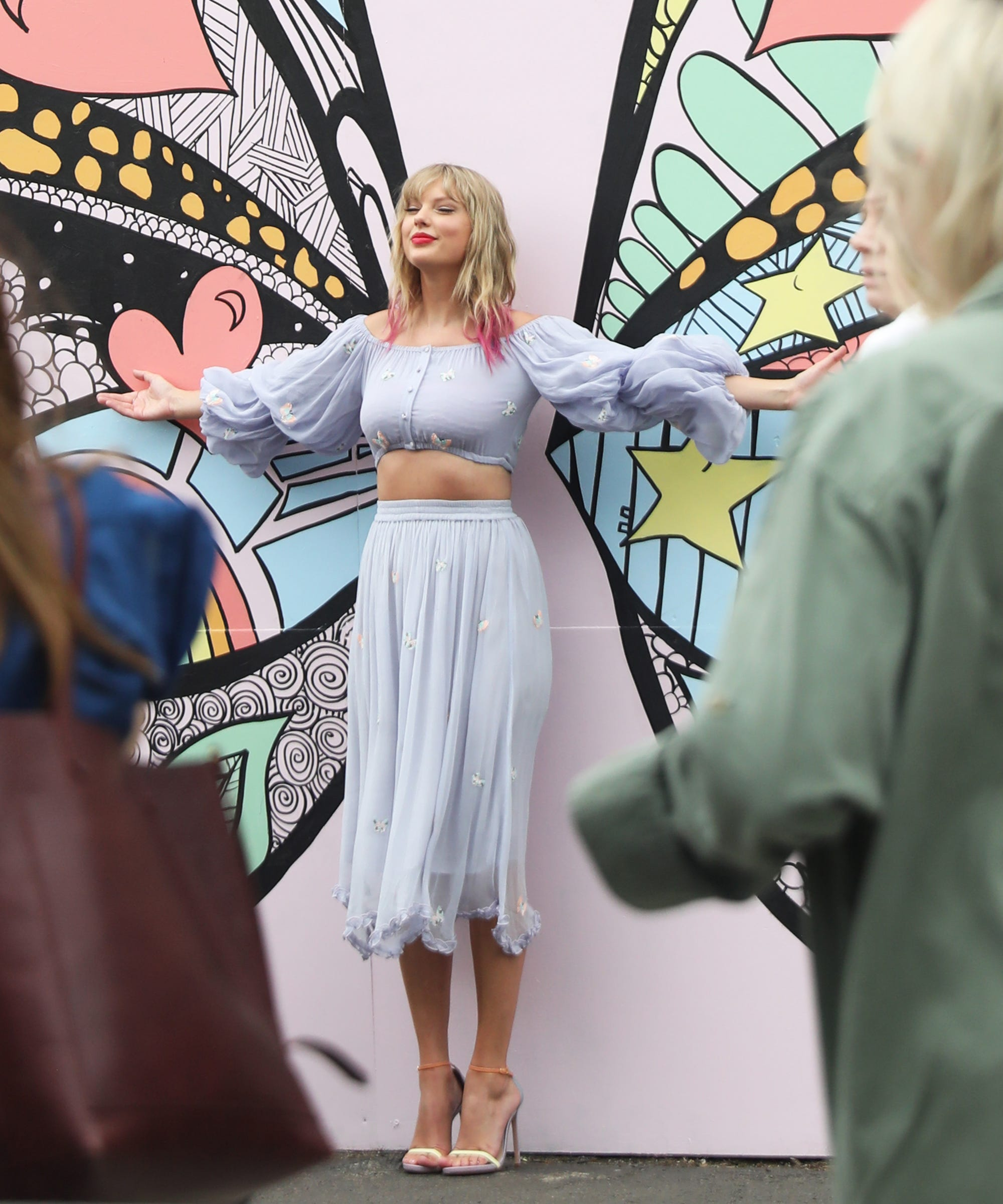 The Artist Behind The Butterfly Mural Had No Idea It Was For Taylor Swift