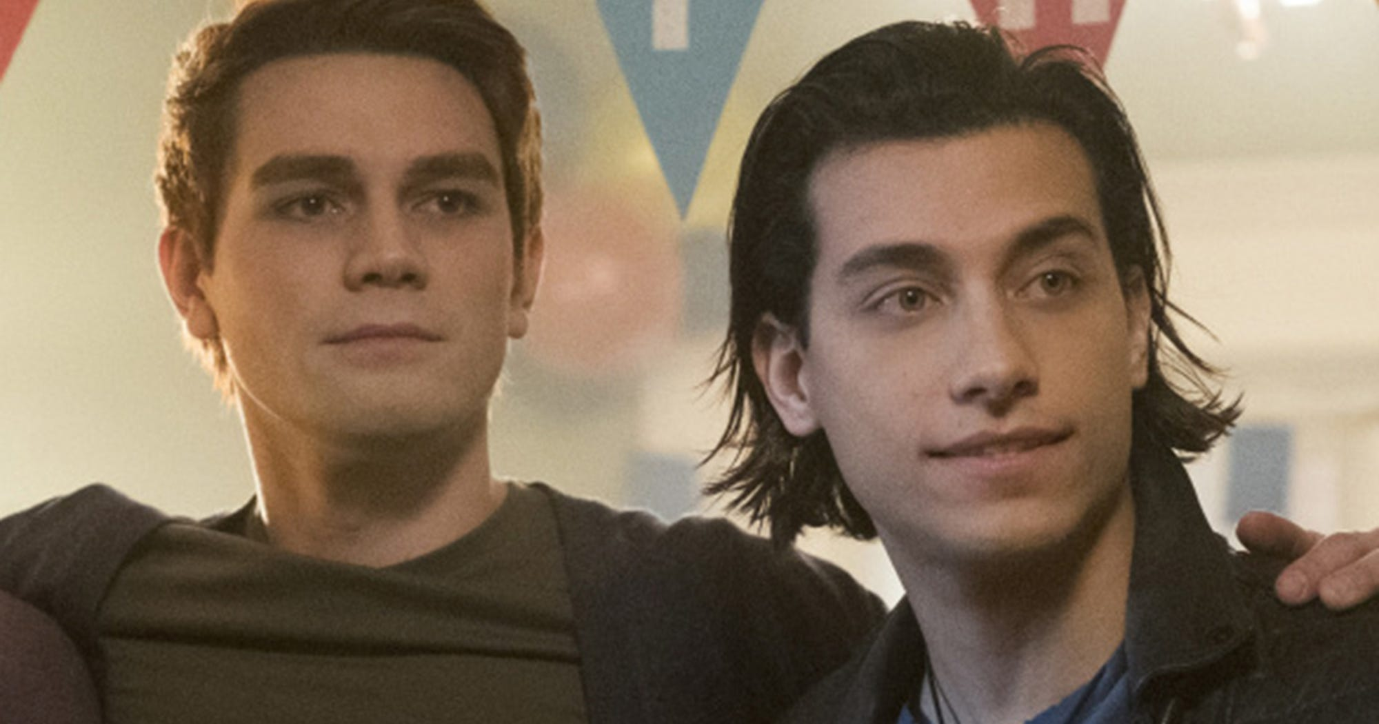 """""""Riverdale"""" Accused Of Queerbaiting Over That Joaquin/Archie Kiss"""
