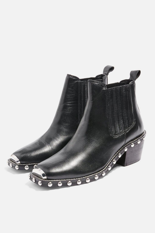 d7a3e2cfb783 Womens Boots Trends - Best Winter 2019 Boot Styles