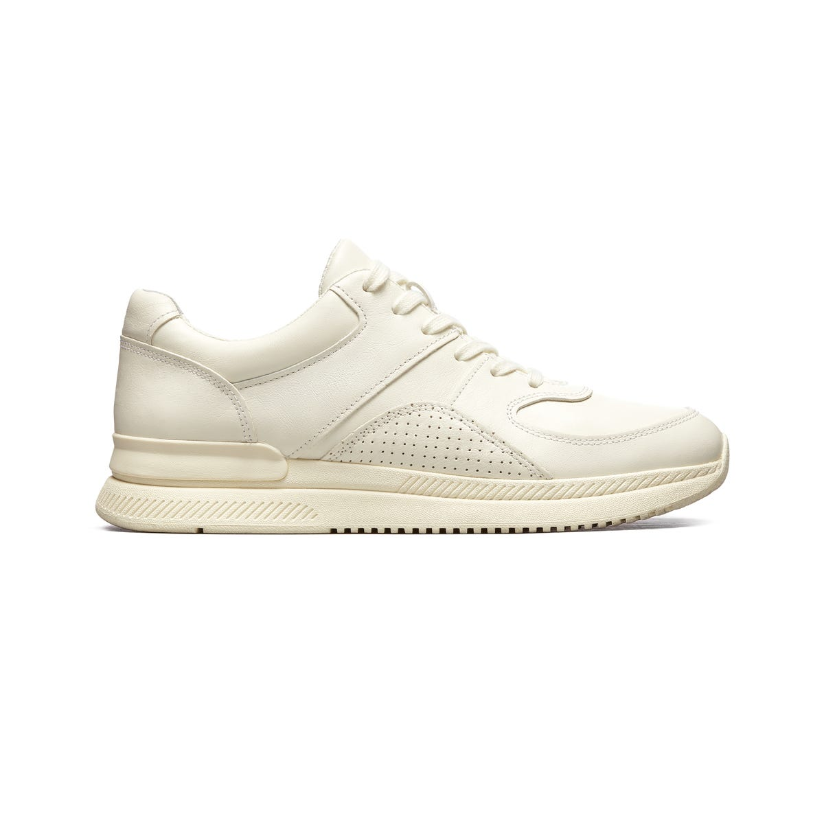 reputable site 294de 899c7 Best White Sneakers For Women - 2019 Cool New Trends