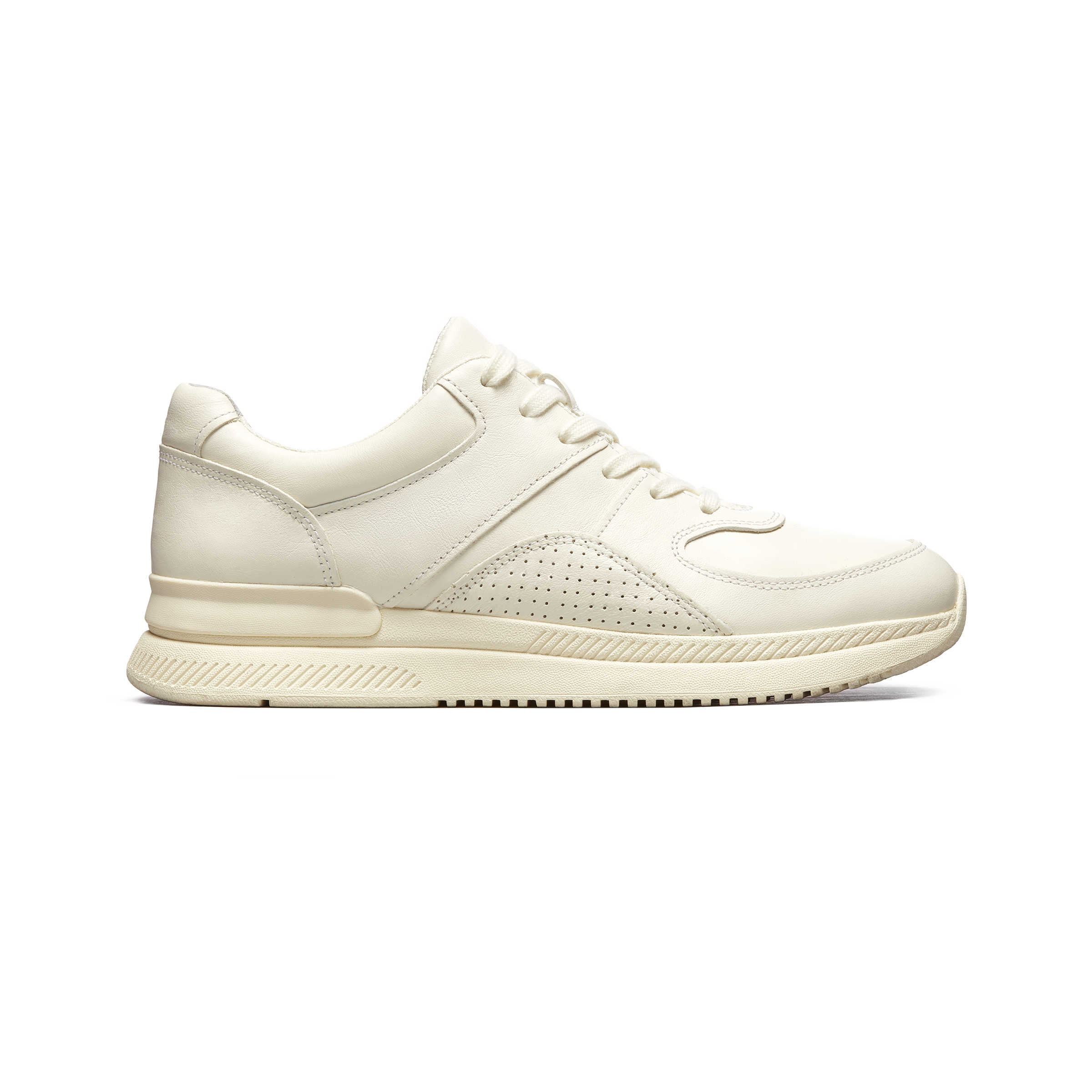 1516693e840a3 Best White Sneakers For Women - 2019 Cool New Trends