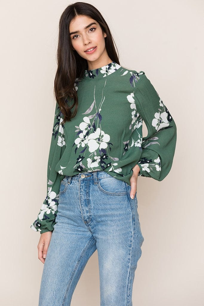 f937bd5b296 Chic Comfortable Travel Outfits To Wear On A Plane